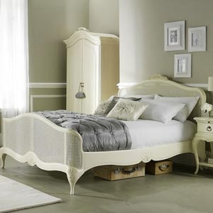 Willis Gambier Ivory 4FT 6 Double Wooden Bedstead